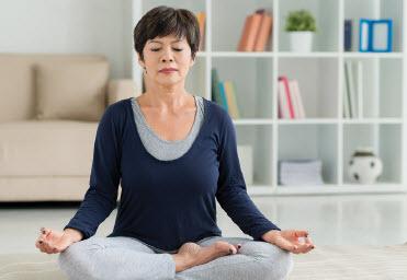 EB-chronic-pain-part-2-yoga-inset