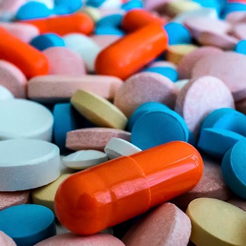 physician-dispensing-pills
